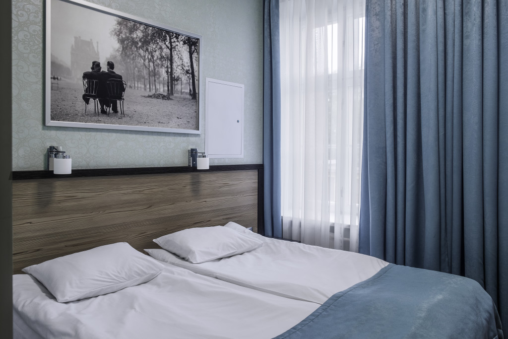 room 1 23